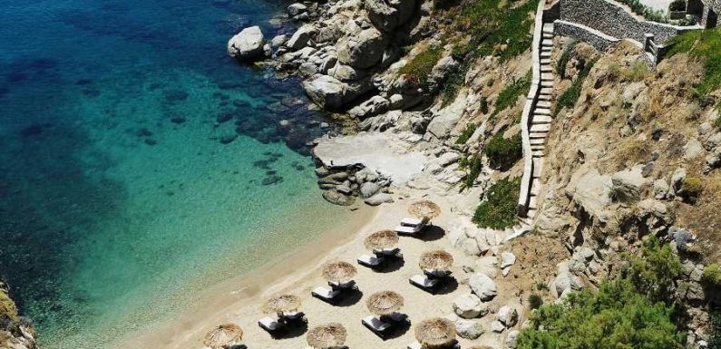 You Can Swim at One of the Best Private Beaches in Mykonos – but Only If You're a Guest of This Hotel