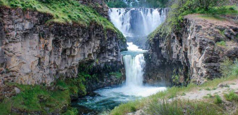 10 Incredible Waterfall Hikes Around the U.S.