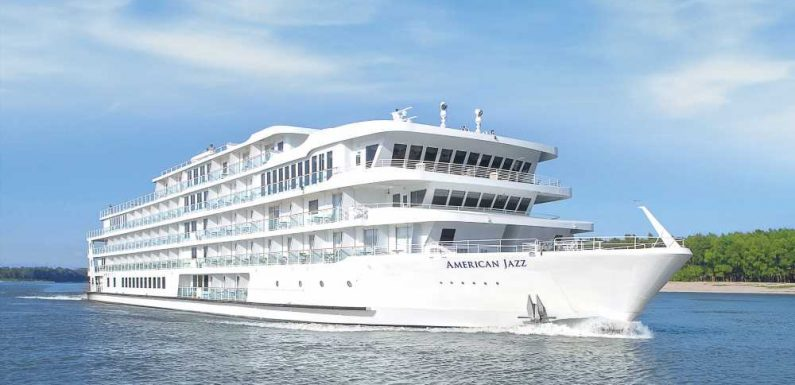 American Jazz riverboat refloated after nine days stuck on sandbar