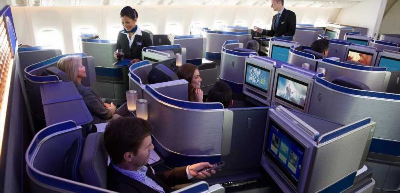 Earn Up to 100,000 Miles With These United Airlines Credit Card Bonuses