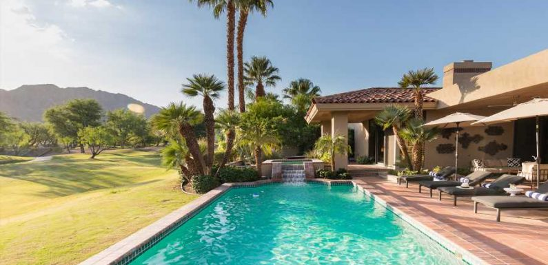 This Company Will Pay You and Your BFF $10,000 to Stay in Multimillion-dollar Vacation Homes