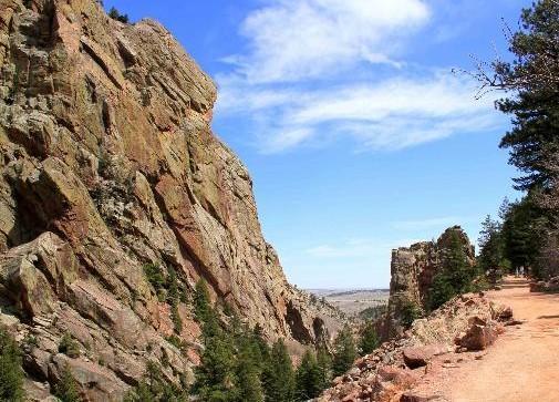 1 climber dies, another injured after fall at Eldorado Canyon State Park