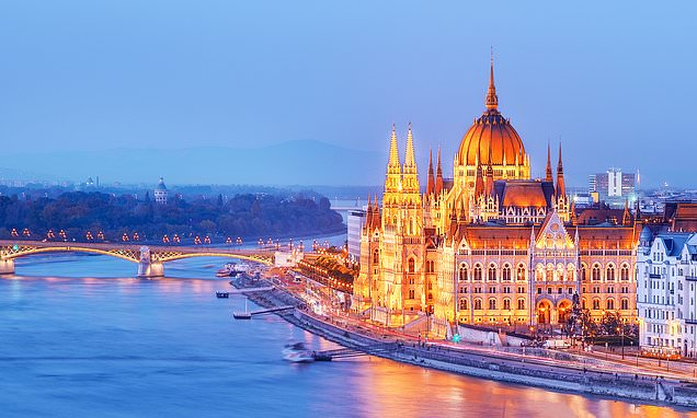 Exclusive for MoS readers:Cruise down the Danube with Ruth and Eamonn