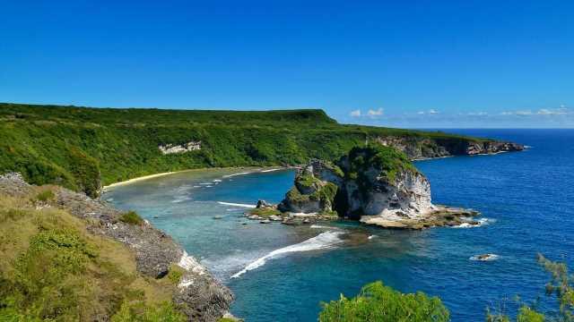 Island resort six hours from Brisbane hopes to be next Bali