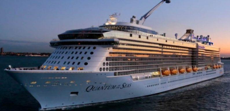 Luxury liner eyes jabbed-up Australians