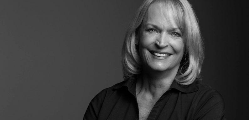 Globus VP of sales Paula Hayes announces retirement