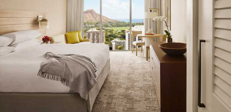 Hawaii hotel group extends vaccine mandate to guests