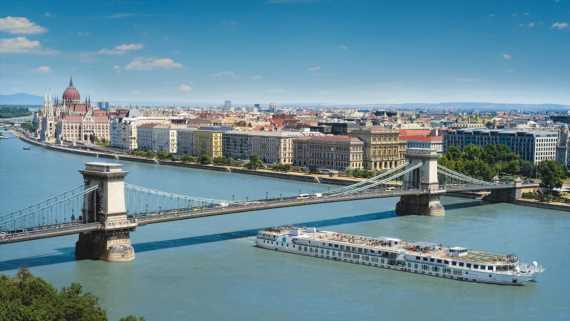 River cruise lines continue to operate in Hungary